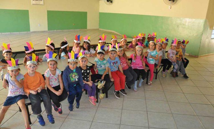 Comemoração ao Dia do Índio nas creches do município