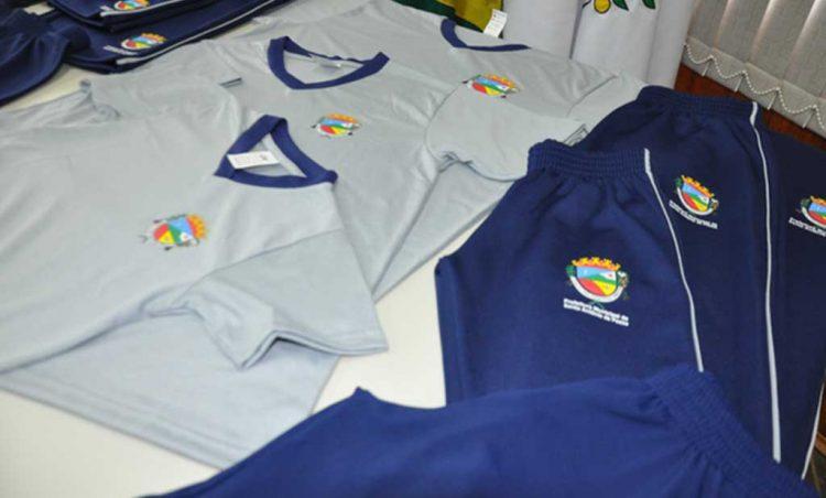 Alunos da Rede Municipal de ensino receberão uniformes escolares