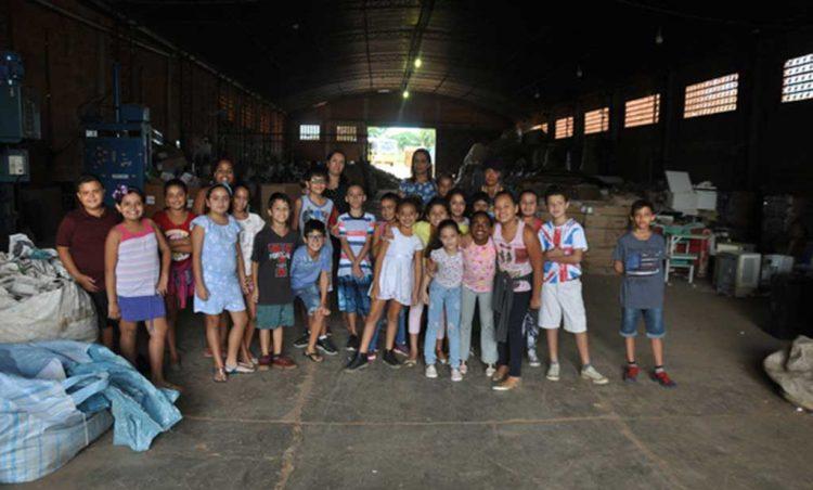 Alunos do 4º ano da Escola Municipal Mary Rosa visitam  Cooperposse