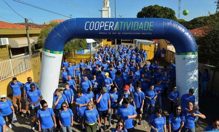 Caminhada Cooperatividade 4K agitou o domingo possense