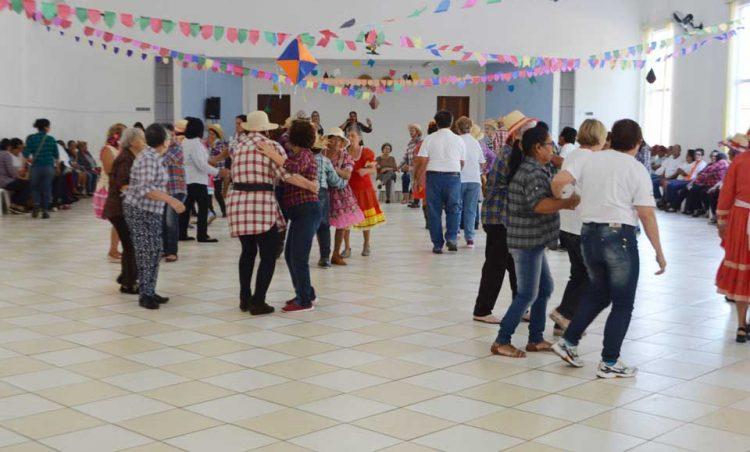 Grupos de Idosos de Santo Antônio de Posse e Holambra se juntam para realização de Festa Junina
