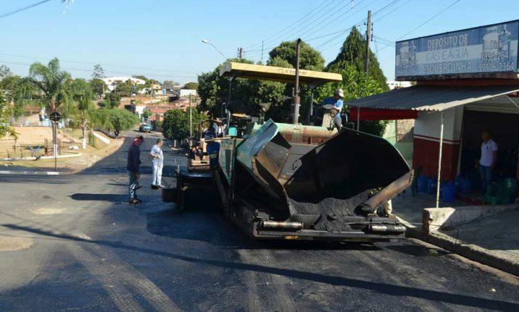 Obras de recapeamento asfáltico continuam no município