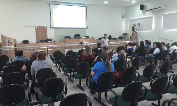 Profissionais do município participam de capacitação sobre violência doméstica e sexual contra crianças e adolescentes