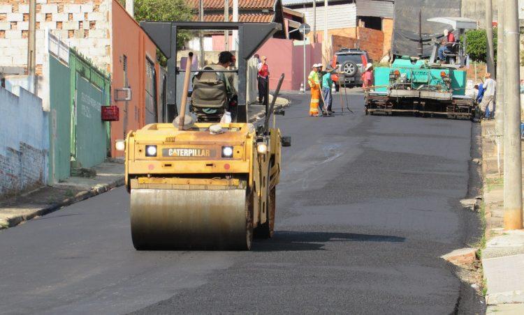 Mais uma obra de recapeamento tem início no município