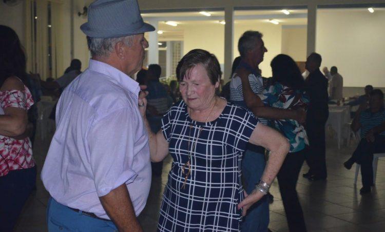Baile da Terceira Idade animou a noite do sábado, dia 27