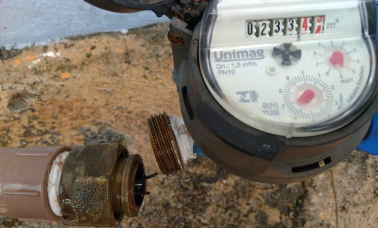 DAE informa: violação de hidrômetro e furto de água é crime