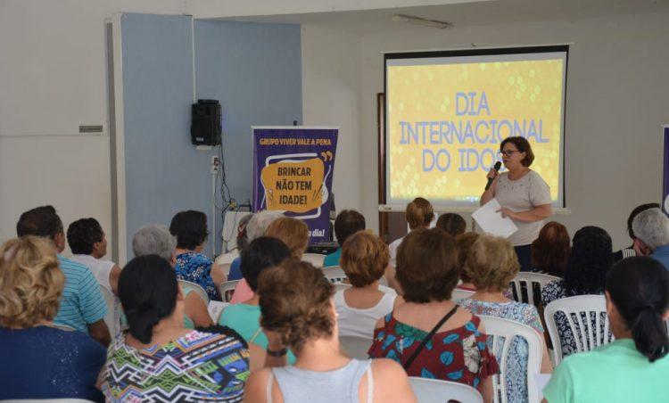 Tarde de homenagens marca comemoração ao Dia do Idoso