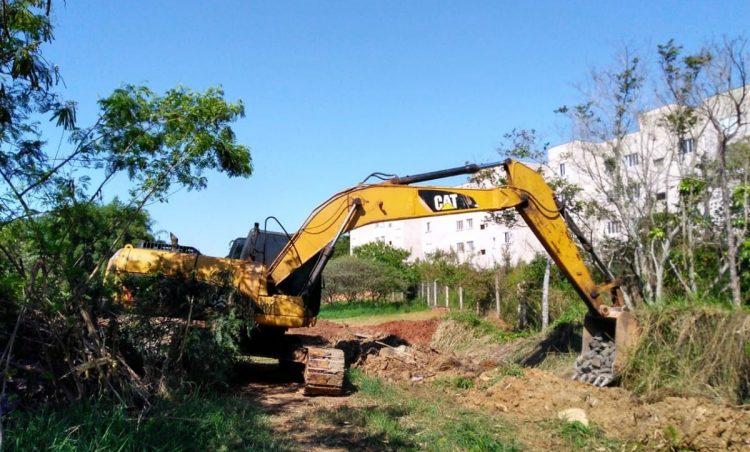 Prefeitura inicia trabalho de drenagem e limpeza do Córrego Jequitibá Ressaca