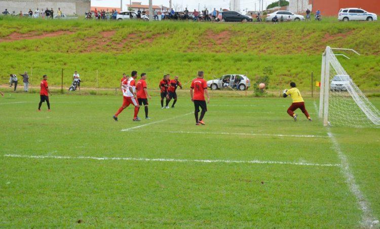 Futebol Amador: Final será entre Furacão Baiano e União Possense