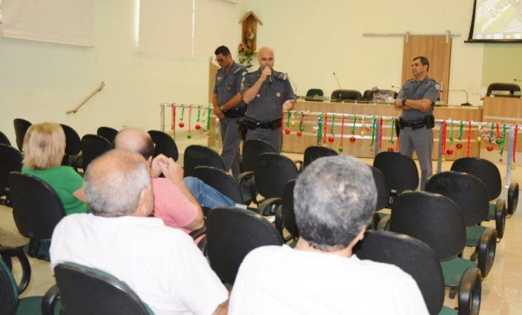"""PM discute dever e responsabilidade com munícipes em reunião do """"Vizinha Solidária"""""""