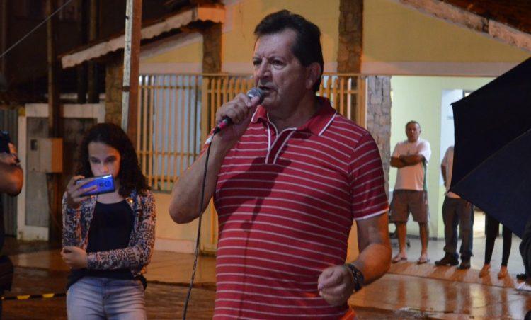 Edgar Jorge é o campeão do 1º Festival de Karaokê