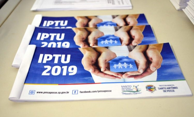 Carnês de IPTU 2019 começam a ser distribuídos