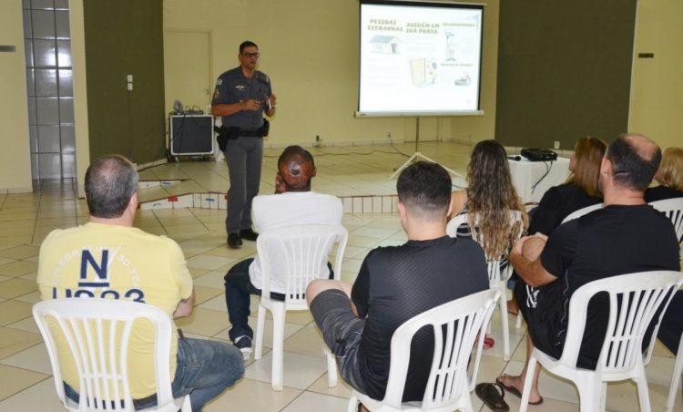 Polícia Militar realiza mais um encontro do Vizinhança Solidária