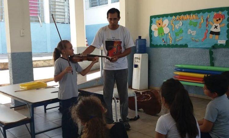 Projeto de música contempla alunos da EMEIEF Leticia Paganotte Torezan