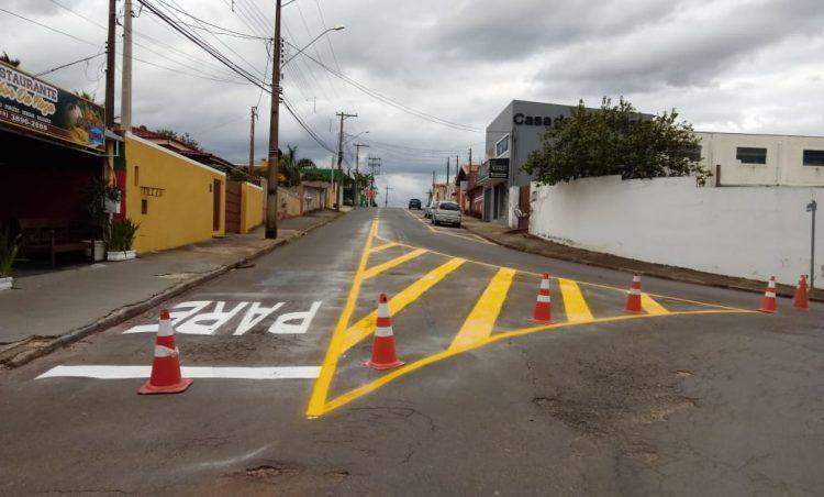Ruas do município recebem sinalização de trânsito