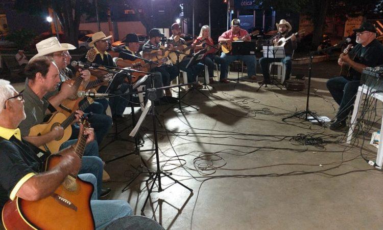 Aniversário da cidade contará com apresentação da Orquestra de Violeiros