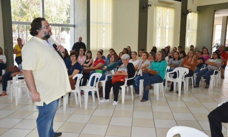 Professores da rede municipal participam de formação