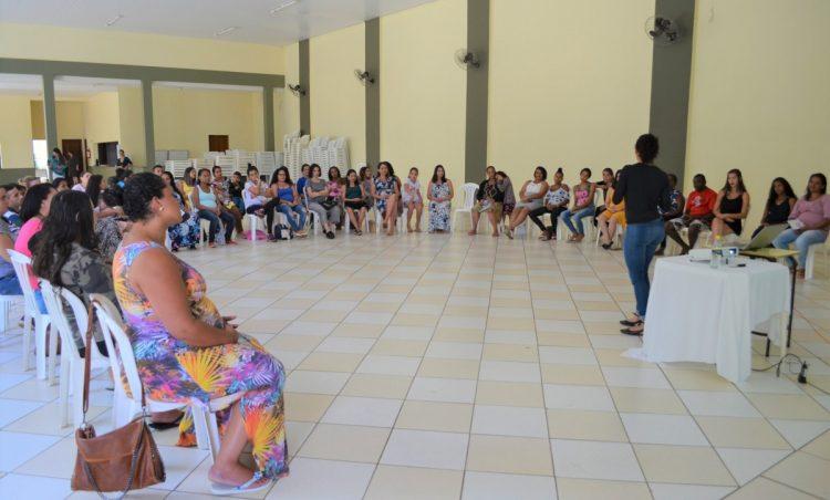 Participantes do Grupo de Gestantes realizam ensaio fotográfico