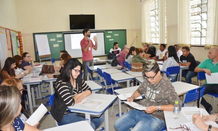 Secretaria de Educação promove capacitação em parceria com SESI