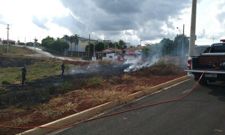 QUEIMADAS: Corpo de Bombeiros orienta sobre o perigo da prática ilegal