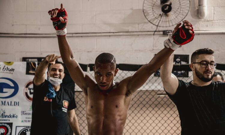 Campeão brasileiro de Kung Fu, jovem possense se destaca no MMA